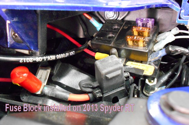 FuseBlock5 accessory fuse block, 4 or 6 position w cable & connectors honda shadow 1100 fuse box screws at gsmx.co